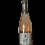 C Crémant de Limoux AOC La Rose accompagne particulièrement bien les mets rosés : crevettes, saumon, tarama, tarte aux fruits rouges, fraises melba … ou tout simplement à l'apéritif