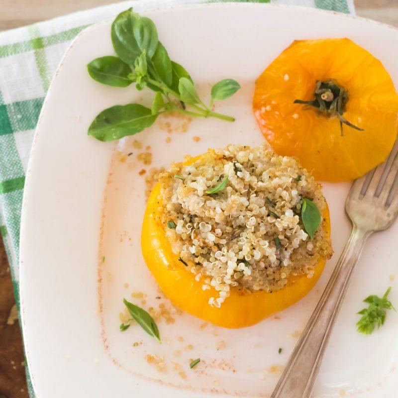 Tomates-farcies-au-quinoa-bio